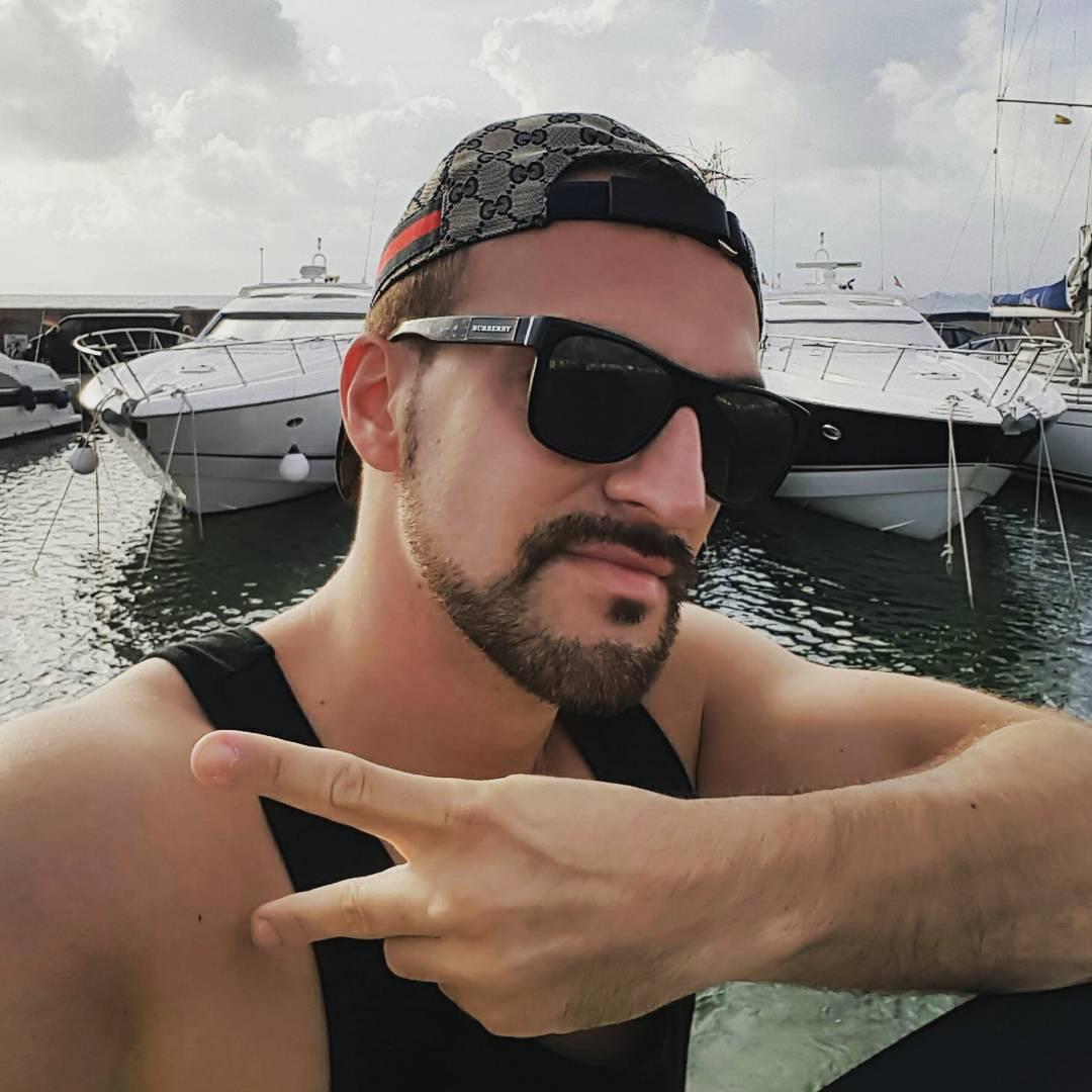 Auf meinem Boot ist noch Platz für ein Paar Bikinischönheiten ;) #mallorca