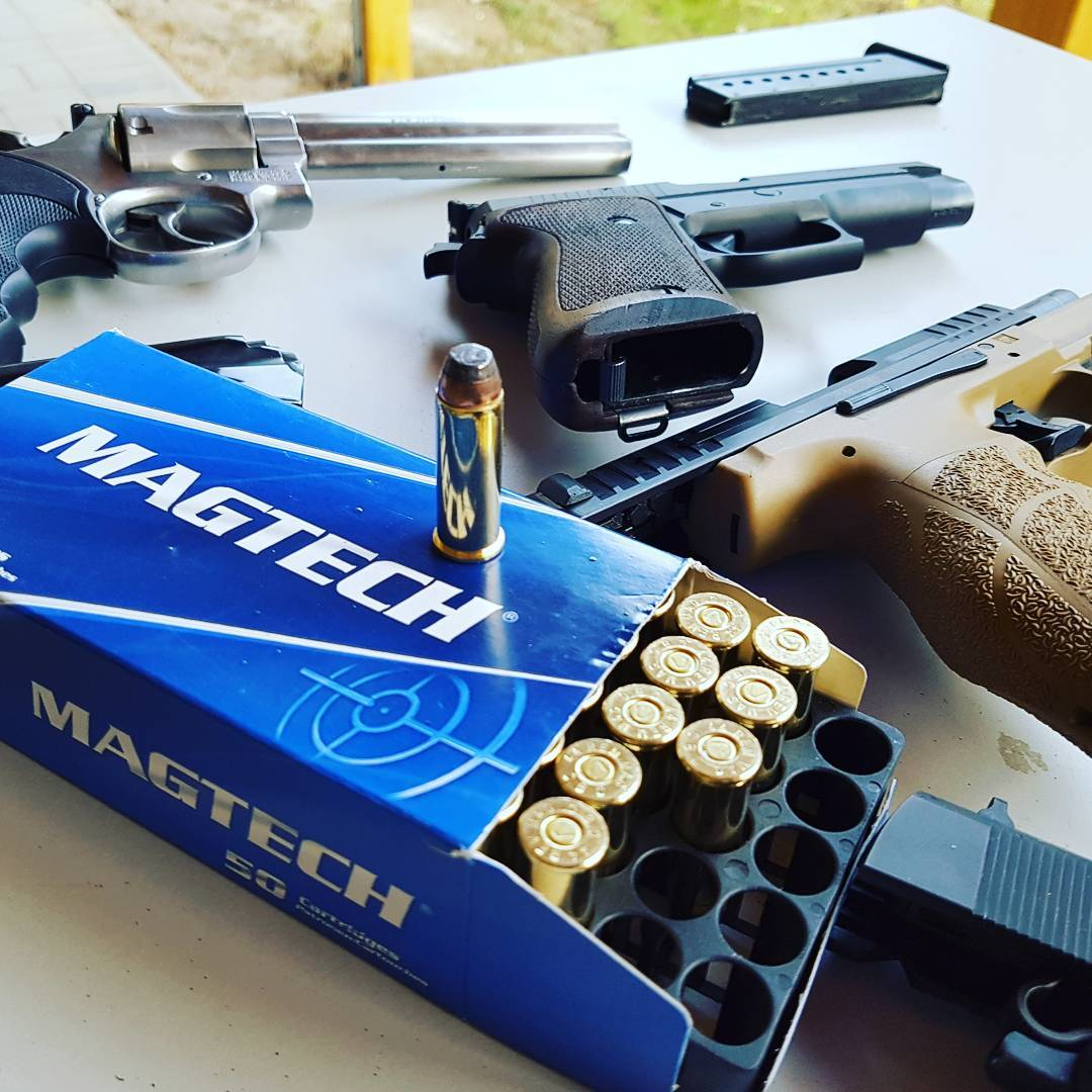 Funny day ;) #guns #shootingrange #waffen #schiessen #nra #shooting #9mm