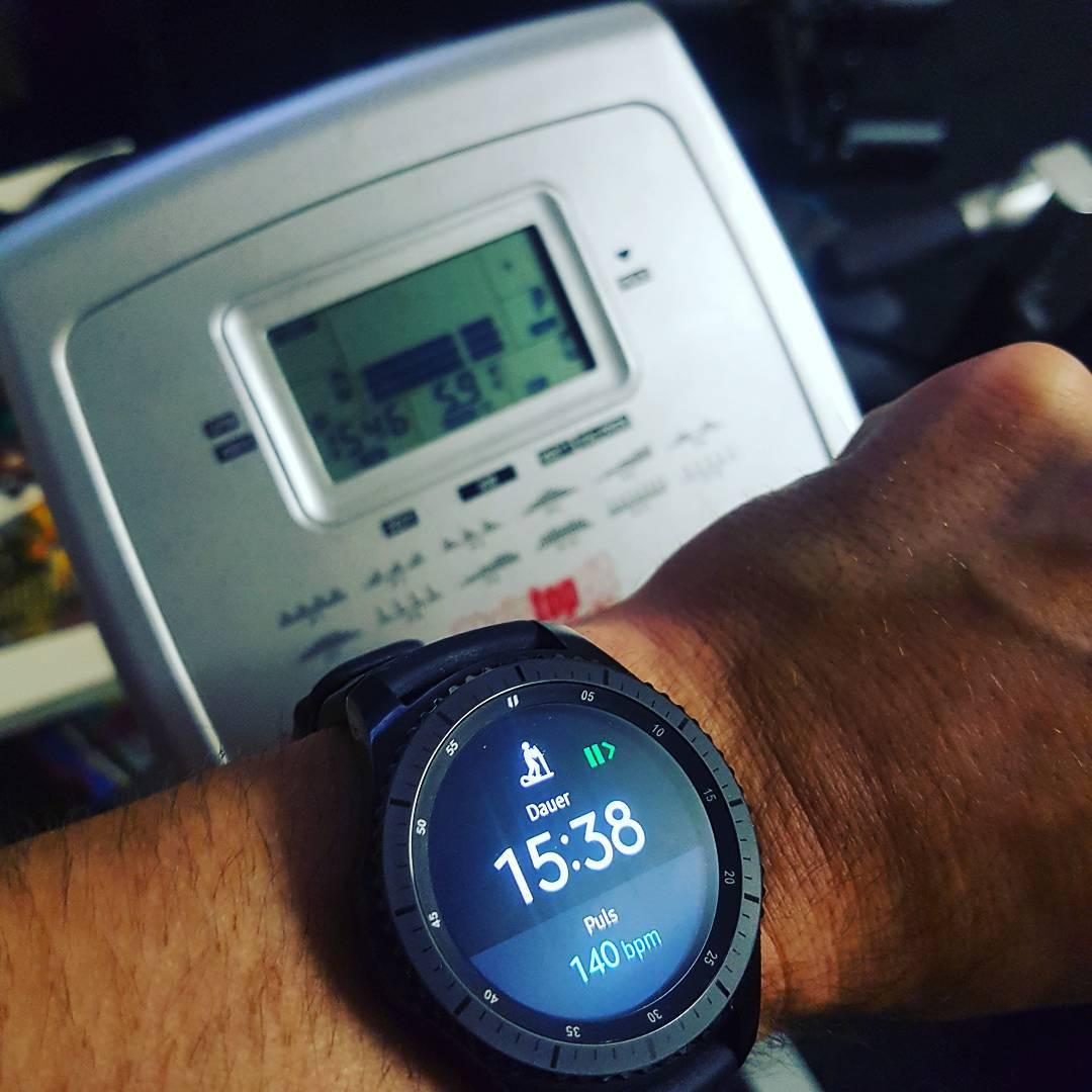 30 min #warmup… #training #sport #fitness #cardio #mcfit #gears3 #galaxy #fit #sweat #crosstrainer