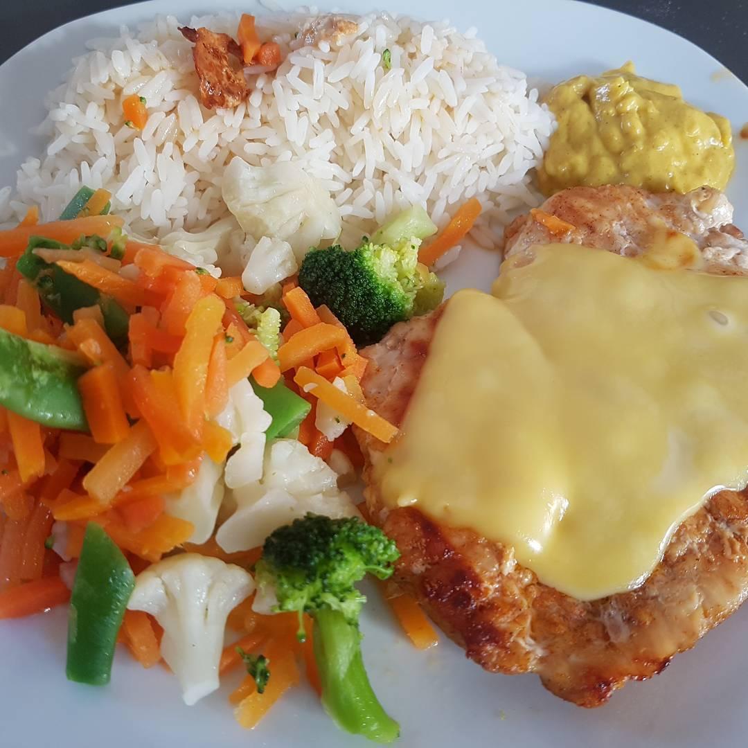 Mittagessen #meal #mittagessen #protein #chicken #hähnchen #fitness #mcfit #lecker #gemüse #reis #curry