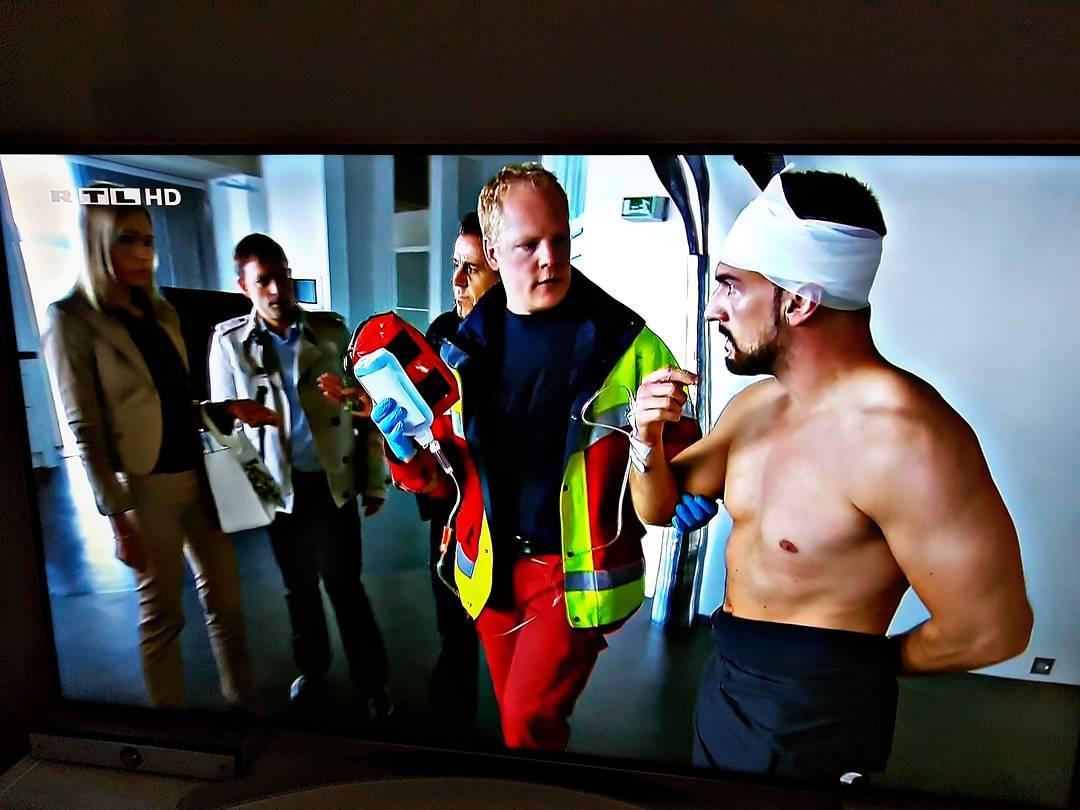 Mal wieder eine oscarreife Schauspielleistung vom Boss 😁 #rtl #blaulichtreport #nackt #body #training #ko #polizei #feuerwehr #totalzerfickt
