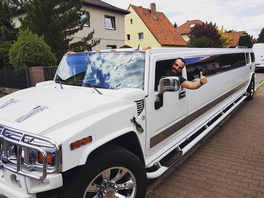 Neue Bosskarre… passend zum Bosscock! 😎 #hummer #h2 #stretchlimo #bosscar #car #auto #exclusive #v8 #big #boss #bosskarre #bangboss #bosscock #Berlin