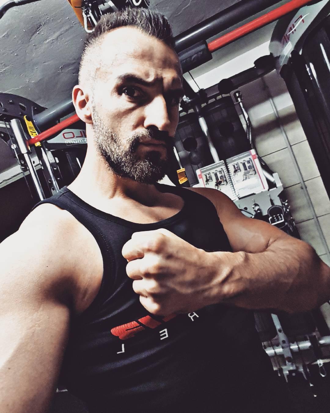 Ready 2 Rumble!!! #tv #dreharbeiten #vorbereitung #nextbigthing #bangboss #fitness #fit #fitfam #bodybuilding #selfie #me #mcfit #superfit #crunchfit #fitnessfirst #motivation #sport #lifestyle #body #muscles #muskeln #pump #pumped #german #berlin #gym #homegym #nopainnogain #pusher