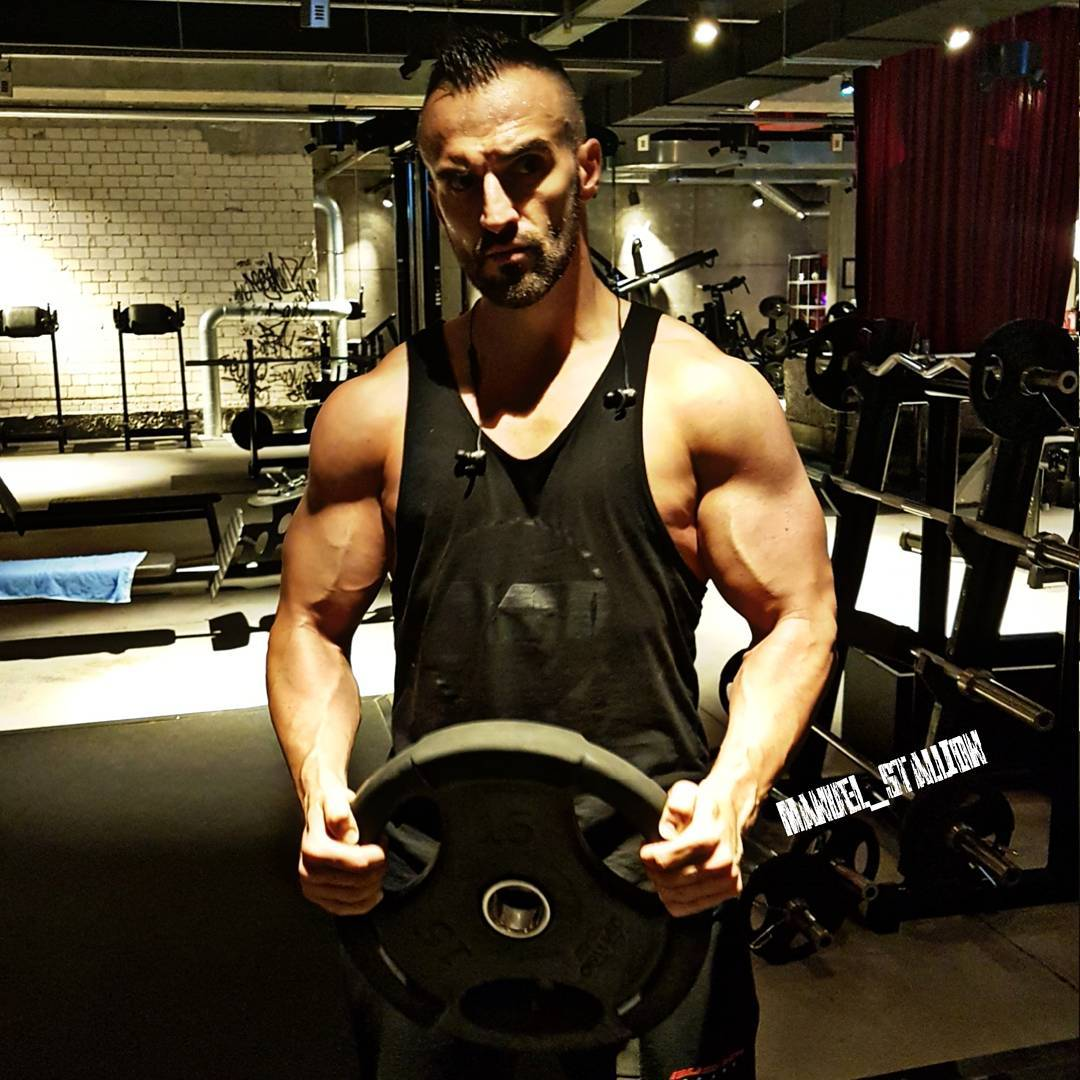 PUSH YOURSELF BECAUSE, NO ONE ELSE IS GOING TO DO IT FOR YOU!  #johnreed #fitness #fit #fitfam #bodybuilding #selfie #me #mcfit #superfit #crunchfit #fitnessfirst #motivation #gain #sport #lifestyle #body #muscles #muskeln #pump #pumped #focused #trainhard #gymtime #nopainnogain #german #berlin #gym #nopainnogain #pusher #pusherapparel