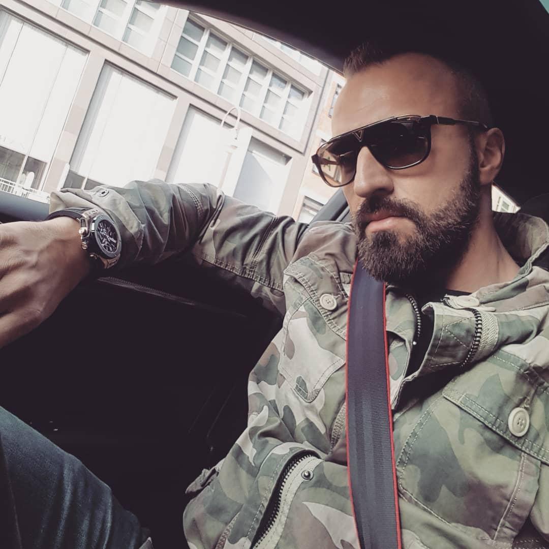 Bisschen den Kudamm unsicher machen 😎 . #berlin #kudamm #audi #rs3 #hublot #bigbang #louisvuitton #sunglasses #camouflage #german #kadewe #potd #picoftheday #instagood #amazing #style #swag #look #instalike #tagsforlikes #followme #bangboss