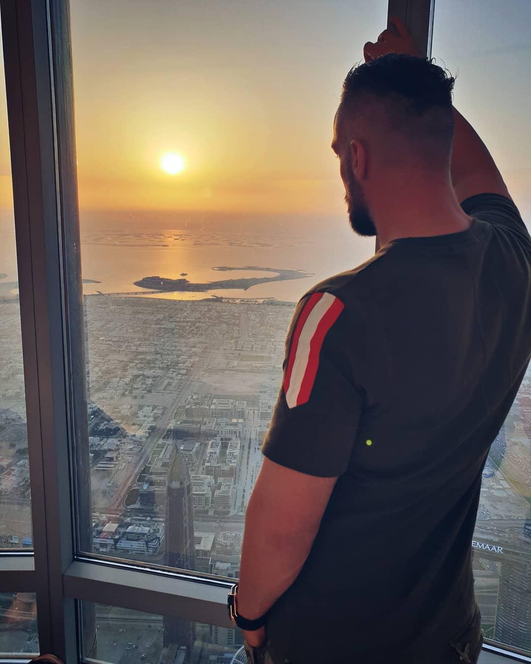 Das Leben ist wie eine Ladung Sperma… man weiß nie, wohin es geht und wieviel dabei herauskommt… . #dubai #burjkhalifa #sun #sunset #onthetop #mood #feeling #quote #copyright #by #me #ataque #ataqueclothing #skyline #ocean #hublot #instagood #instalike #potd #l4l #followme