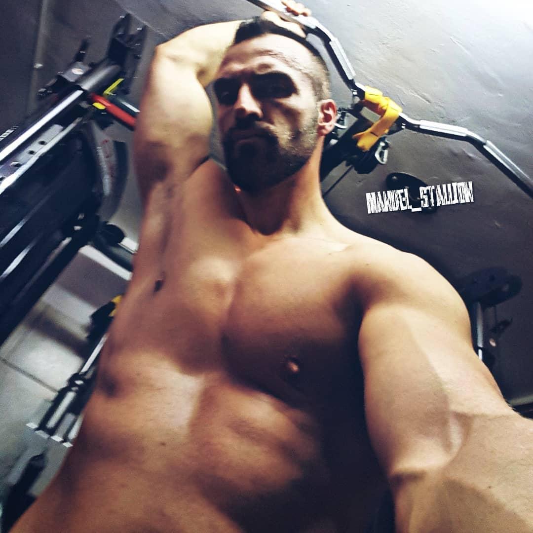 In einer neuen wissenschaftlichen Studie, wurde von Neurowissenschaftlern das Bild aus Frauengedanken extrahiert, welches sie am meisten beim Sex oder der Masturbation im Kopf haben… hier das Ergebnis 😉 . #bangboss #realtalk #fit #abs #muscles #pump #pumped #training #bodybuilding #berlin #berliner #mcfit #johnreed #gym #pornstar #sexy #ficken #sexgott #lattenrostterminstor #bosscock #instafit #instagood #followme #l4l #f4f #venusberlin #venusmesse #venusmesseberlin