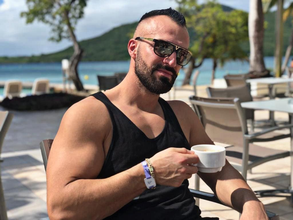 Bonjour Martinique☀️ . #martinique #caribbean #beach #hotel #clubmed #happy #holiday #sunny #day #amazing #coffee #selfie #me #louisvuitton #relax #instagood #instalike #instafit #instamood #instapornstars #instaholiday #instatravel